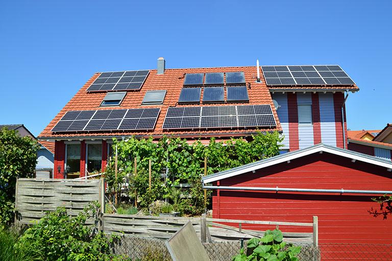 New Energy Light Solutions Produktsortiment Photovoltaik-Komplettanlage